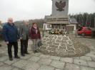 Złożyli kwiaty pod pomnikiem_3