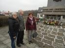 Złożyli kwiaty pod pomnikiem_4
