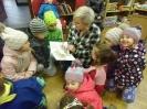 Bibliotekę odwiedziły dzieci_1