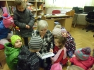 Bibliotekę odwiedziły dzieci_5